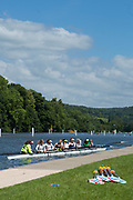 """Henley on Thames, United Kingdom, 21st June 2018, Thursday, Training day before the start of  """"Henley Women's Regatta"""",  Thursday,  view, An eight, moves to moor at the boating pontoon,  Henley Reach, River Thames, England, © Peter SPURRIER/Alamy Live News"""