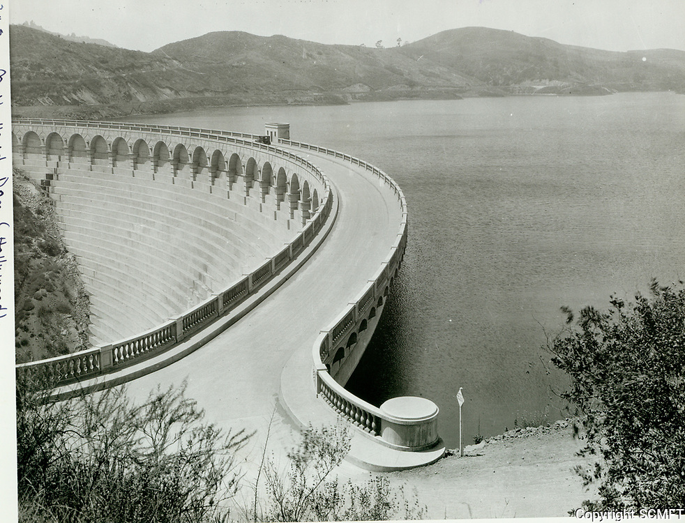 1925 Lake Hollywood and Dam just after completion