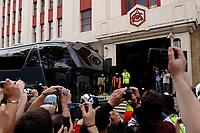 Photo: Daniel Hambury.<br />Arsenal v Wigan Athletic. The Barclays Premiership. 07/05/2006.<br />Arsenal's team arrive on the team bus.