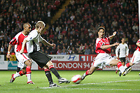 Photo: Lee Earle.<br /> Charlton Athletic v Manchester United. The Barclays Premiership. 23/08/2006. United's Darren Fletcher (2ndL) opens the scoring.