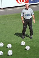 Assistenttrener Harald Aabrekk, Norge. Landslagstrening foran kampen mot Armenia. Herrelandslaget 2000. 31. august 2000. (Foto: Peter Tubaas/Fortuna Media)