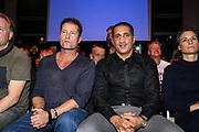 Boxen: German Boxing Edition, Hamburg, 21.12.2019<br /> Schauspieler Till Schweiger und Promoter Ismail Oezen-Otto<br /> © Torsten Helmke