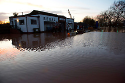 © Licensed to London News Pictures. 17/02/2020. Upton-upon-Severn, Worcestershire, UK. A severe flood warning is in force and plans to evacuate residents is under way at Upton-upon-Severn, in Worcestershire, UK. It has been reported that a new peak of flood water levels will occur at 04.00 hrs on Tuesday 18th February 2020. and these new levels are expected to breach the flood protection barriers which have protected the small town of Upton-upon-Severn in Worcestershire for many years. Photo credit: Graham M. Lawrence/LNP