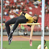 Fatimah Zahra Bte Mohd Rafique (#186) of Victoria Junior College  executing her winning jump of  1.56m.  (Photo © Stefanus Ian/Red Sports)