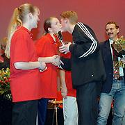 Nieuwjaarsreceptie gemeente Huizen 2000, uitreiking Huizer Sportprijzen aan de sportploeg van het jaar