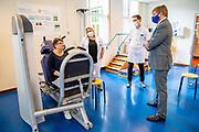 GROESBEEK, 25-05-2021, Radboudumc <br /> <br /> Koning Willem Alexander tijdens een werkbezoek aan het Radboudumc Dekkerswald in Groesbeek. De Koning bezocht er de COVID-19 nazorgpoli, waar hij sprak met herstellende coronapatienten en een aantal medisch specialisten betrokken bij de zorg voor patiënten die langdurig ziek blijven na een coronabesmetting.<br /> FOTO: Brunopress/Mischa Schoemaker<br /> <br /> King Willem Alexander during a working visit to the Radboudumc Dekkerswald in Groesbeek. De Koning visited the COVID-19 aftercare clinic, where he spoke with recovering corona patients and a number of medical specialists involved in the care of patients who remain ill for a long time after a corona infection.