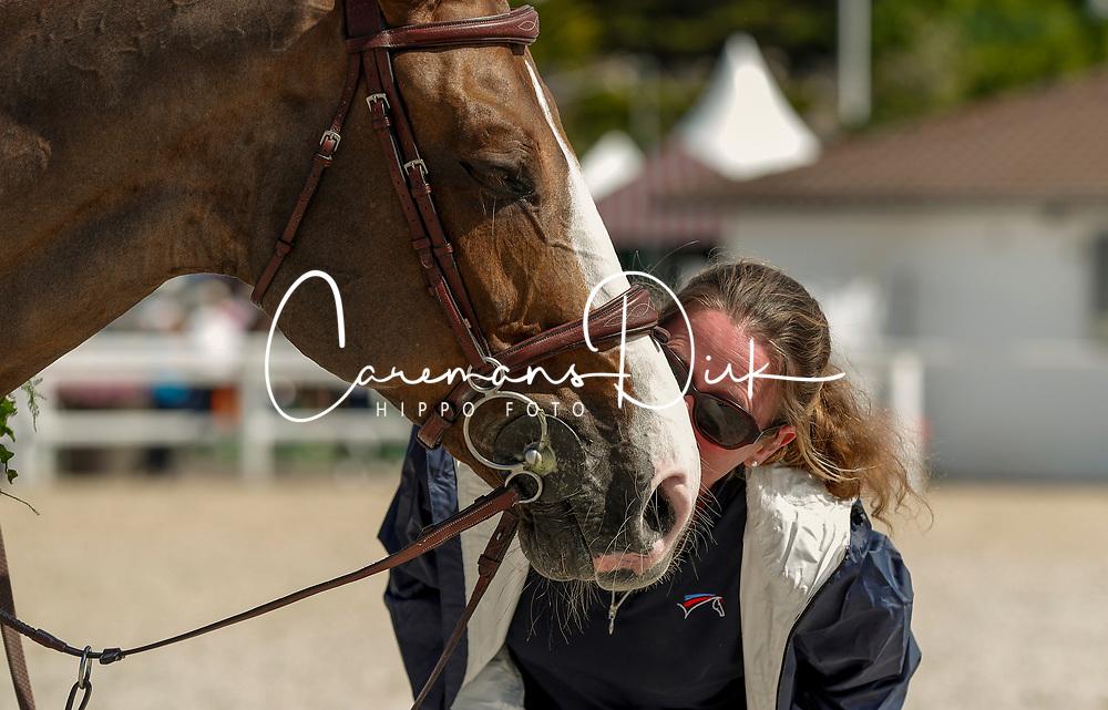 Gennifer Dodeuil (groom), FRA, Aquila Hdc, Gennifer Dodeuil (groom)<br /> Grand Prix Longines Ville de La Baule 2018<br /> © Dirk Caremans<br /> 18/05/2018