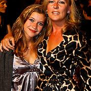 NLD/Amsterdam/20100629 - Premiere Twilight Saga - The Eclipse, Saskia Noort en dochter