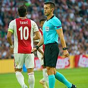 NLD/Amsterdam/20180919 - Ajax - AEK, scheidsrechter Carlos Del Cerro