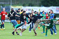 Supporters turques Palestiniens attaquent les joueurs Israeliens Eyal Meshumar (Maccabi Haifa)