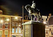 Standbeeld van Koning Willem II bij het Binnenhof in Den Haag - Statue of king William II near the Binnenhof in The Hague, The Netherlands
