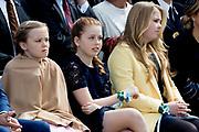 Koningsdag 2017 in Tilburg / Kingsday 2017 in Tilburg<br /> <br /> Op de foto / On the photo:  Koning Willem-Alexander, koningin Maxima en prinses Amalia  / King Willem-Alexander, Queen Maxima and Princes Amalia