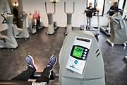 Nederland, Doesburg, 6-3-2020 Hart- vaat en longpatienten die begeleid bewegen om zo hun kans op ziekenhuisopname te verkleinen. Merendeels ouderen aan het trainen bij plusfit fysiotherapie . Foto: Flip Franssen