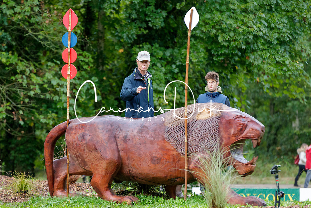 FOX-PITT William (GBR)<br /> Le Lion d'Angers - FEI Eventing World Breeding Championship 2019<br /> Impressionen am Rande<br /> Teilprüfung Cross-Country 6 jährige<br /> 19. Oktober 2019<br /> © www.sportfotos-lafrentz.de/Stefan Lafrentz