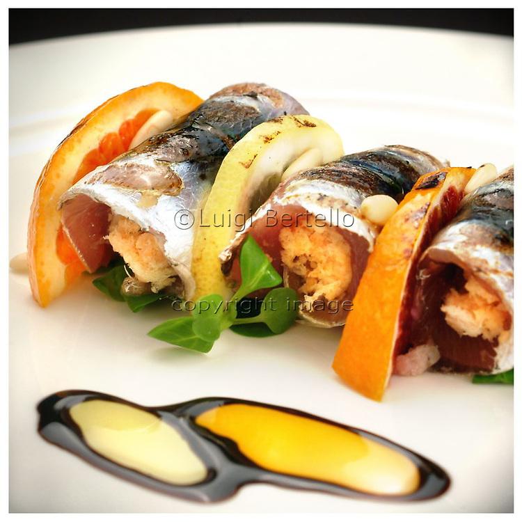 Le Ricette Tradizionali della Cucina Italiana.Italian Cooking Recipes. Spiedino di sardine.
