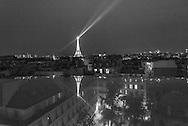 Paris . 7th district. elevated view on Paris view from a window / Paris vu d'en haut , depuis une fenetre, reflet sur une fenetrer