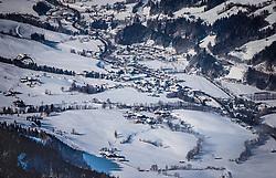 THEMENBILD, Leogang mit seiner Kirche im Ortszentrum, aufgenommen in Saalfelden, Oesterreich am 11. Feber 2015 // Leogang with the church in the village center, Saalfelden, Austria on 2015/02/11. EXPA Pictures © 2015, PhotoCredit: EXPA/ JFK