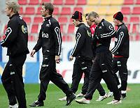 Fotball / Football<br /> Trening Norge foran Play Off mot Tsjekkia<br /> Training Norway in front of the play off match v Czech Republic<br /> Praha / Prague<br /> 15.11.2005<br /> Foto: Morten Olsen, Digitalsport<br /> <br /> L-R (all): Steffen Iversen - Vålerenga, Andre Bergdølmo - FC København, Marius Johnsen - Start, Claus Lundekvam - Southampton, Jon Inge Høiland - Malmø FF and Jan Gunnar Solli - Rosenborg