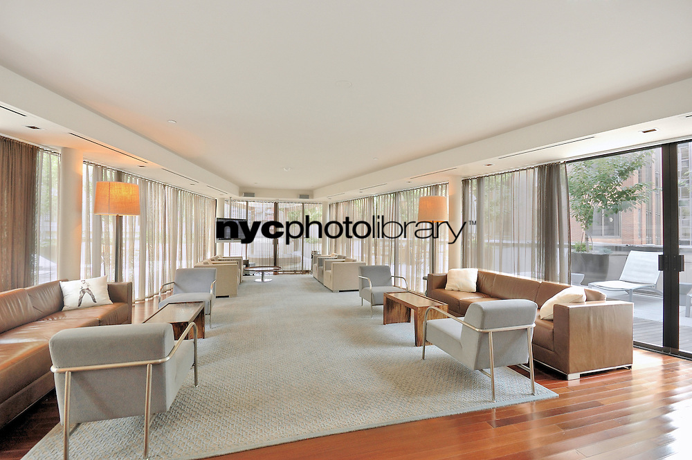 Lounge at 1 Wall St Court