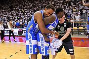 DESCRIZIONE : Campionato 2014/15 Serie A Beko Grissin Bon Reggio Emilia - Dinamo Banco di Sardegna Sassari Finale Playoff Gara7 Scudetto<br /> GIOCATORE : Kenneth Kadji Rakim Sanders<br /> CATEGORIA : Postgame Ritratto Esultanza<br /> SQUADRA : Dinamo Banco di Sardegna Sassari<br /> EVENTO : LegaBasket Serie A Beko 2014/2015<br /> GARA : Grissin Bon Reggio Emilia - Dinamo Banco di Sardegna Sassari Finale Playoff Gara7 Scudetto<br /> DATA : 26/06/2015<br /> SPORT : Pallacanestro <br /> AUTORE : Agenzia Ciamillo-Castoria/L.Canu