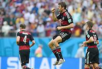 Fotball<br /> Tyskland v USA<br /> 26.06.2014<br /> VM 2014<br /> Foto: Witters/Digitalsport<br /> NORWAY ONLY<br /> <br /> 1:0 Jubel Torschuetze Thomas Müller (Deutschland)<br /> Fussball, FIFA WM 2014 in Brasilien, Vorrunde, USA - Deutschland