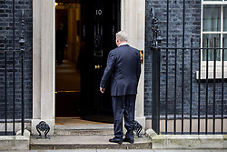 © Licensed to London News Pictures. 06/02/2017. London, UK. Israeli Prime Minister Benjamin Netanyahu arrives at Downing Street to meet British Prime Minister Theresa May, who does not walk out of Number 10 to meet him, as is normal for a diplomatic visit. Photo credit : Tom Nicholson/LNP
