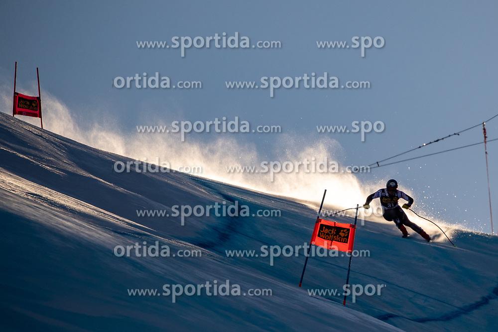 29.12.2018, Stelvio, Bormio, ITA, FIS Weltcup Ski Alpin, SuperG, Herren, im Bild Thomas Biesemeyer (USA) // Thomas Biesemeyer of the USA in action during his run in the men's Super-G of FIS ski alpine world cup at the Stelvio in Bormio, Italy on 2018/12/29. EXPA Pictures © 2019, PhotoCredit: EXPA/ Johann Groder