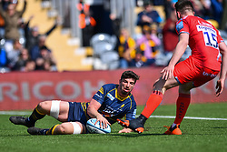 Sam Lewis of Worcester Warriors scores a try - Mandatory by-line: Craig Thomas/JMP - 13/04/2019 - RUGBY - Sixways Stadium - Worcester, England - Worcester Warriors v Sale Sharks - Gallagher Premiership Rugby