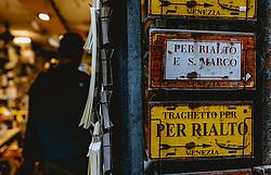 THEMENBILD - Souvenirs von Venedig, aufgenommen am 04. Oktober 2019 in Venedig, Italien // Souvenirs von Venedig, in Venice, Italy on 2019/10/04. EXPA Pictures © 2019, PhotoCredit: EXPA/Stefanie Oberhauser