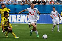 Grenchen, 09.07.2011, Fussball Uhrencup, FC Zuerich - Borussia Dortmund.Shinji Kagawa (BVB), Xavier Margairaz (FCZ). (Sandro Stutz/EQ Images)