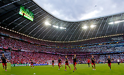 19.05.2012, Allianz Arena, Muenchen, GER, UEFA CL, Finale, FC Bayern Muenchen (GER) vs FC Chelsea (ENG), im Bild Bayern Munchen warm-up before the Final Match of the UEFA Championsleague between FC Bayern Munich (GER) vs Chelsea FC (ENG) at the Allianz Arena, Munich, Germany on 2012/05/19. EXPA Pictures © 2012, PhotoCredit: EXPA/ Propagandaphoto/ David Rawcliff..***** ATTENTION - OUT OF ENG, GBR, UK *****
