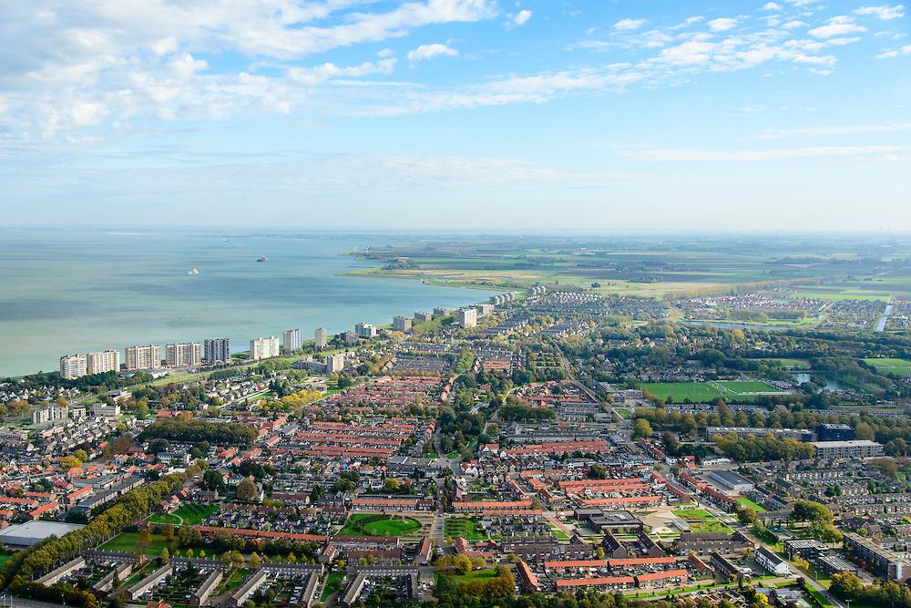 Nederland, Zeeland, Zeeuws-Vlaanderen, 19-10-2014; centrum Terneuzen, oostelijk deel binnenstad en Scheldeboulevard met hoogbouw langs de Westerschelde.<br /> Terneuzen, eastern Town and Scheldeboulevard with high-rise along the Westerschelde.<br /> <br /> luchtfoto (toeslag op standard tarieven);<br /> aerial photo (additional fee required);<br /> copyright foto/photo Siebe Swart