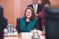 27 SEP 2017, BERLIN/GERMANY:<br /> Andrea Nahles, SPD, Bundesarbeitsministerin und designierte SPD Fraktionsvorsitzende, vor Beginn der Kabinettsitzung, Bundeskanzleramt<br /> IMAGE: 20170927-01-005<br /> KEYWORDS: Kabinett, Sitzung