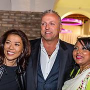 NLD/Amsterdam//20170410 - Free a Girl Celebrity Night, Wimmy Hu met Gordon en .....