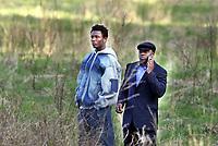 Fotball, 11. mai 2005, Obi Mikel og hans nigerianske agent, John Shittu, sto ute på et jorde og så 1.omgang<br /> <br /> Foto: Erik Berglund, Digitalsport