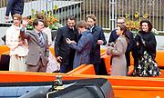 De koninklijke familie is in Zwolle voor de viering van Koningsdag. /// The royal family is in Zwolle for the celebration of King's Day.<br /> <br /> Op de foto / On the photo:   Boottocht met de Koninklijke familie