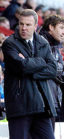 Photo: Leigh Quinnell.<br /> Brentford v Swansea City. Coca Cola League 1.<br /> 26/12/2005. Swansea boss Kenny Jackett unhappy on the touch line.