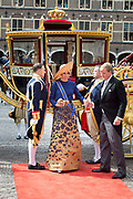 Queen Maxima and Willem-Alexander King arrive with the Glazenkoets at the Knights on Budget Day prior to the throne speech. Every third Tuesday of September is Budget Day, the festive opening of the new parliamentary year of the States General (the Senate and House). His Majesty the King on Budget Day rides in the Golden Carriage to the Binnenhof in The Hague speaks during the joint session of the States General in the Knights from the throne speech. Koning Willem Alexander en Koningin Maxima