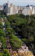 Belo Horizonte_MG, Brasil...Feira de Artesanato da Av. Afonso Pena, em Belo Horizonte, que acontece todos os domingos, Minas Gerais...The Afonso Pena market place, in Belo Horizonte, Minas Gerais...Foto: BRUNO MAGALHAES / NITRO