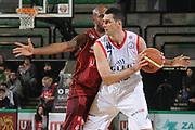 DESCRIZIONE : Treviso Lega A 2011-12 Umana Venezia Angelico Biella<br /> GIOCATORE : matteo soragna<br /> CATEGORIA :  palleggio<br /> SQUADRA : Umana Venezia Angelico Biella<br /> EVENTO : Campionato Lega A 2011-2012<br /> GARA : Umana Venezia Angelico Biella<br /> DATA : 08/03/2012<br /> SPORT : Pallacanestro<br /> AUTORE : Agenzia Ciamillo-Castoria/M.Gregolin<br /> Galleria : Lega Basket A 2011-2012<br /> Fotonotizia :  Treviso Lega A 2011-12 Umana Venezia Angelico Biella<br /> Predefinita :
