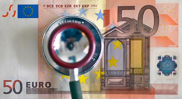 Nederland, Ubbergen, 25-10-2013Sthetoscoop en geld. Kosten medische sector, zorgstelsel.Foto: Flip Franssen/Hollandse Hoogte