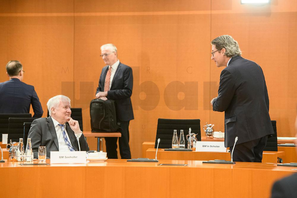 02 SEP 2020, BERLIN/GERMANY:<br /> Horst Seehofer (L), CSU, Bundesinnenminister, und Andreas Scheuer (R), CSU, Bundesverkehrsminister, im Gespraech, vor Beginn einer SItzung des Kabinetts im grossen Sitzungssaal, der aufgrund der Corona-Vorgaben fuer die Kabinettsitzung genutzt wird, Budneskanzleramt<br /> IMAGE: 20200902-01-013<br /> KEYWORDS: Sitzung, Kabinett, Gespräch