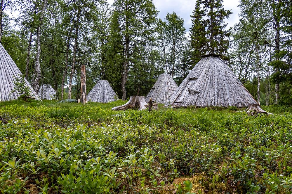 VILDMARKSVÄGEN JULI 2020<br /> Kåtabyn vid Ankarede under helgens tur efter Vildmarksvägen.<br /> Foto: Per Danielsson/Projekt.P