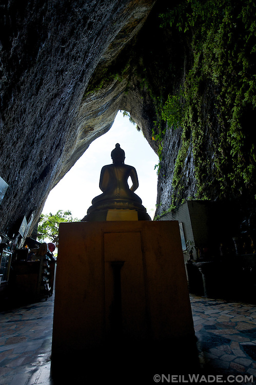 Baxian Buddhist Caves (Cave of the Eight Imortals)