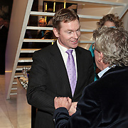NLD/Naarden/20080401 - Het Arsenaal van jan des Bouvrie bestaat 15 jaar, jan met burgemeester Peter Rehwinkel