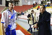DESCRIZIONE : Roma Campionato Lega A 2013-14 Acea Virtus Roma Banco di Sardegna Sassari<br /> GIOCATORE :  Drake Diener Simone Pianigiani<br /> CATEGORIA : fair play ritratto pre game<br /> SQUADRA : <br /> EVENTO : Campionato Lega A 2013-2014<br /> GARA : Acea Virtus Roma Banco di Sardegna Sassari<br /> DATA : 26/12/2013<br /> SPORT : Pallacanestro<br /> AUTORE : Agenzia Ciamillo-Castoria/M.Simoni<br /> Galleria : Lega Basket A 2013-2014<br /> Fotonotizia : Roma Campionato Lega A 2013-14 Acea Virtus Roma Banco di Sardegna Sassari <br /> Predefinita :