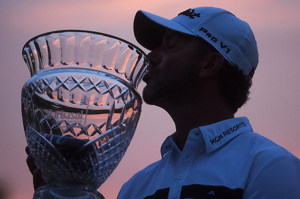 Scott Piercy kisses the Barbasol Championship Trophy. <br /> Barbasol Championship 2015: Day 4 at the Robert Trent Jones Golf Trail at Grand National in Opelika, Ala., on Sunday, July 19, 2015. <br /> Zach Bland/Special to the Opelika-Auburn News