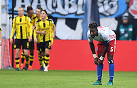 Fotball<br /> Tyskland<br /> Foto: Witters/Digitalsport<br /> NORWAY ONLY<br /> <br /> Johan Djourou (HSV) nach dem 0:2 Tor fuer Dortmund<br /> Hamburg, 05.11.2016, Fussball Bundesliga, Hamburger SV - Borussia Dortmund 2:5