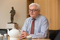 15 JAN 2013, BERLIN/GERMANY:<br /> Frank-Walter Steinmeier, SPD Fraktionsvorsitzender, waehrend einem Interview, in seinem Buero, Jakob-Kaiser-Haus, Deutscher Budnestag<br /> IMAGE: 20130115-01-013<br /> KEYWORDS: Büro