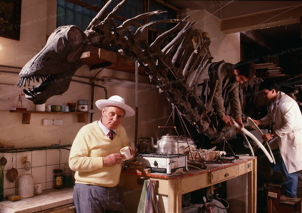"""Jose Bonaparte with Amargasaurus, a """"jibbed"""" sauropod from the Argentina at the Museo de Ciencias Naturales de Buenos Aires.  Discoverer was Guillermo Rougier."""
